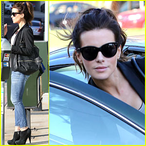 Kate Beckinsale: Parking Meter Pickup