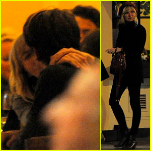Kirsten Dunst & Garrett Hedlund: Kissing London Couple!