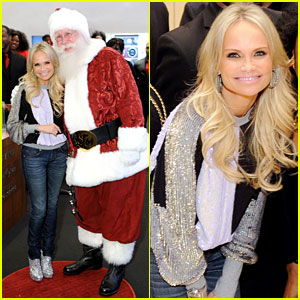Kristin Chenoweth Meets Santa Under the Misteltoe!