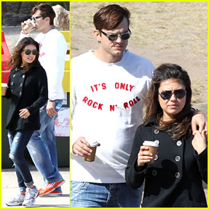 Mila Kunis & Ashton Kutcher: Bondi to Bronte Beach Walk!