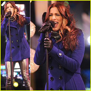 Cassadee Pope: 'New Years Eve 2013 With Carson Daly' Performer!