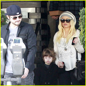 Christina Aguilera: Trevin Hunte Sang It Better Than Me!