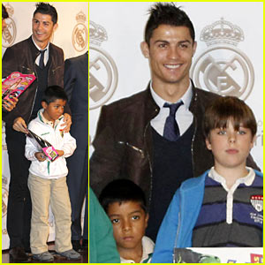 Cristiano Ronaldo: No Child Without Toys Campaign!
