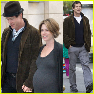 Dylan Walsh: Christmas Day Movie with Girlfriend Leslie Bourque