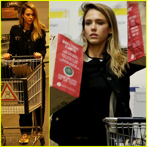 Jessica Alba: Whole Foods Shopper!