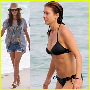 Kate Walsh: Bikini Beach Day in Miami!