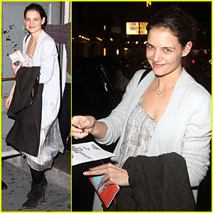 Katie Holmes: Birthday 'Dead Accounts' Performance!