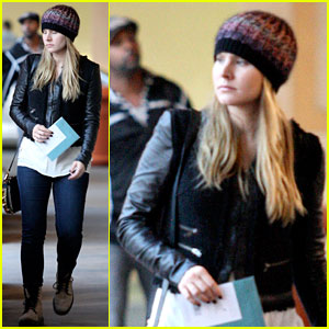 Kristen Bell: Holiday Card Shopper!
