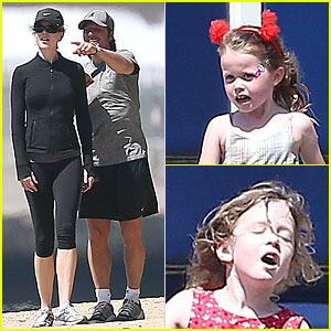Nicole Kidman & Keith Urban: Australian Park Stroll with the Girls!