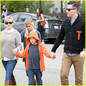 Reese Witherspoon: Producer for 'Wild'!