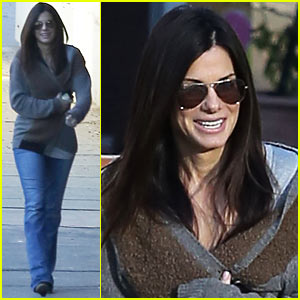 Sandra Bullock: Smiley School Drop Off!