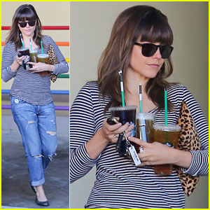 Sophia Bush: Starbucks Pick Up
