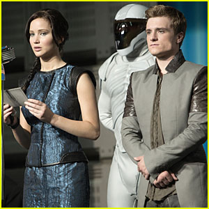 Jennifer Lawrence &#038; Josh Hutcherson: New 'Catching Fire' Stills!