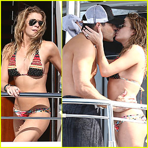 LeAnn Rimes: Bikini Kissing with Shirtless Eddie Cibrian!