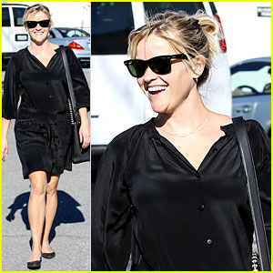 Reese Witherspoon: Sugarfish Sushi Lunch!