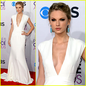 Taylor Swift - People's Choice Awards 2013 Red Carpet
