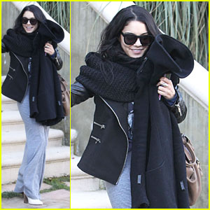 Vanessa Hudgens: Post Golden Globes LAX Departure!