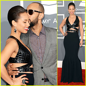 Alicia Keys & Swizz Beatz - Grammys 2013 Red Carpet