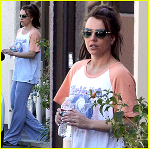 Britney Spears: Brunette at the Dance Studio!