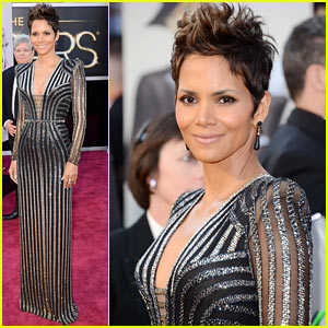 Halle Berry - Oscars 2013 Red Carpet