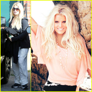 Jessica Simpson & CaCee Cobb Shop for Baby Stuff Together!