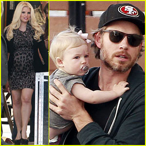 Jessica Simpson: Pregnant Commercial Shoot with Eric Johnson & Maxwell