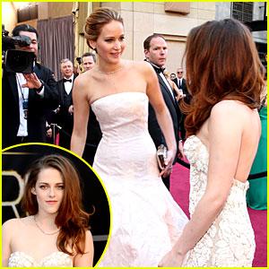 Kristen Stewart & Jennifer Lawrence: Oscars 2013 Meetup!