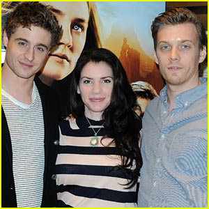 Max Irons & Jake Abel: 'The Host' Book Signing!