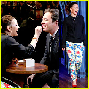 Drew Barrymore Does Jimmy Fallon's Makeup!