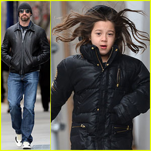 Hugh Jackman: Bundled Up with Ava!