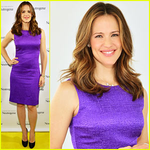 Jennifer Garner: Neutrogena Skin Summit!