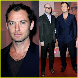 Jude Law: 'Side Effects' Paris Premiere!
