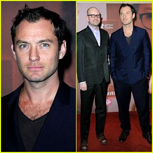 Jude Law: 'Side Effects' Paris Premiere!