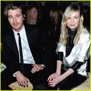 Kirsten Dunst & Garrett Hedlund: Saint Laurent Fashion Show!
