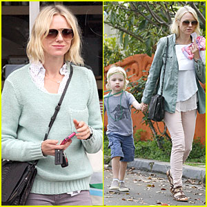 Naomi Watts: Neighboring Visit with the Boys!