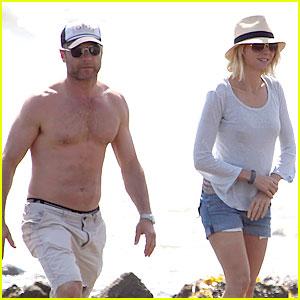 Naomi Watts & Shirtless Liev Schreiber: Family Beach Day!