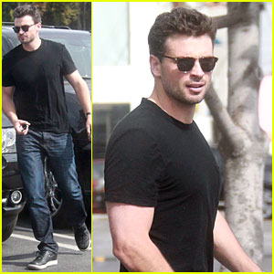 Tom Welling: Shaded Shopper in West Hollywood!