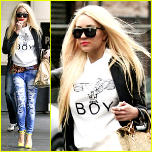 Amanda Bynes Not Having Breakdown, Says Nikki Blosnky