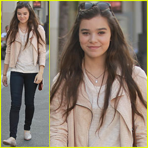 Hailee Steinfeld: I Can't Wait to See 'Great Gatsby'!