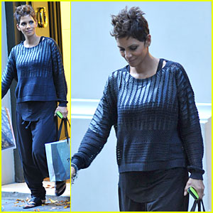 Halle Berry: Baby Bumpin' Shopping Therapy in Argentina!