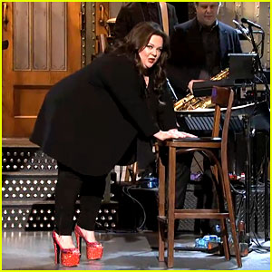 Melissa McCarthy: 'SNL' Monologue in Heels - Watch Now!