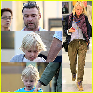 Naomi Watts & Liev Schreiber: Tavern Dinner with the Boys!
