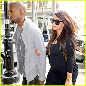 Pregnant Kim Kardashian & Kanye West Reunite in NYC!