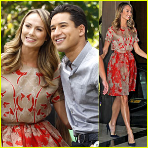 Stacy Keibler: 'Extra' Appearance with Mario Lopez!