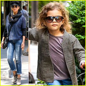 Camila Alves: Mother's Day with Vida!