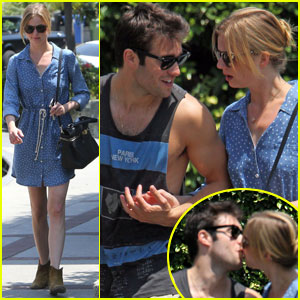 Emily VanCamp & Josh Bowman: Kisses in Hollywood!
