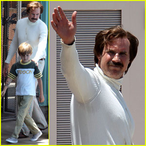 Will Ferrell Films 'Anchorman 2' Scenes at Sea World