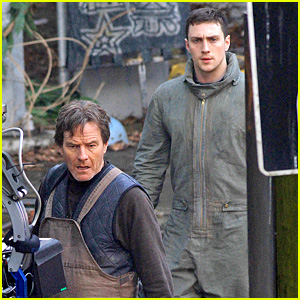 Aaron Taylor-Johnson: 'Godzilla' Set with Bryan Cranston!