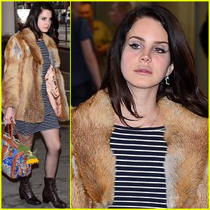 Lana Del Rey Wears Fur Coat in Warm Warsaw Weather