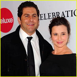 Mad Men's Linda Cardellini: Engaged to Steven Rodriguez!